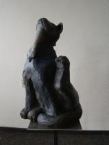 Conny Mahieu tuinkeramiek Blue Cat 40 x 35 x 65 cm   € 1.200
