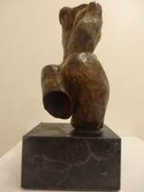Afke Dam - Tors met billen - Brons op bianco del mare - opl. 3-6 - 24 cm - 925