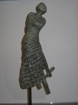 yvonne dolle Vrij brons 30 cm-5-8 € 1350 - kopie