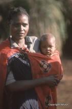 Kenia mother - dibond op aluminium - 50x75 - 895_320x480
