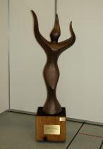 Oliver Ritter - Hüterin des lebens - brons - nr. 4 - h 120 cm - 13500 verkleind