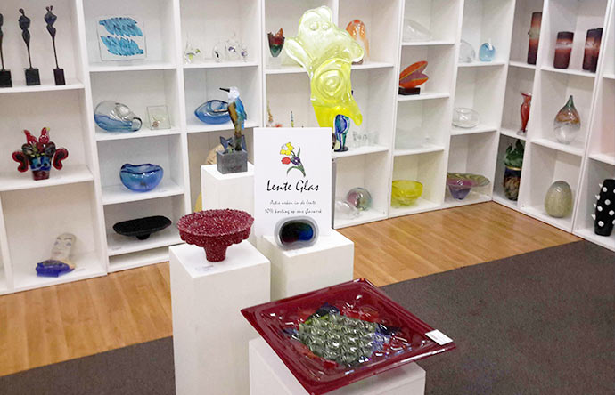 galerie_sous_terre-expositie-lente_glaskunst-aalsmeer-690x444