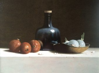 Leo Pors - Wijnfles, granaatappels en witte uien - 40 x 51 cm - olie op paneel - € 3250,-_1024x756