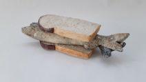 Edith Madou-Wittebrood met haring-Keramiek-€ 200-
