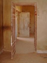 Open door 2 - foto op dibond met alu frame - 60x80 - opl. 2-25 - 595_576x768
